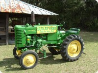 2011AntiqueTractor08